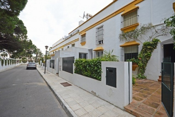 Sold: 4 Bedroom, 3 Bathroom Townhouse in Marbellamar, Marbella Golden Mile