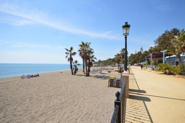 Sold: 4 Bedroom, 2 Bathroom Townhouse in Marbellamar, Marbella Golden Mile
