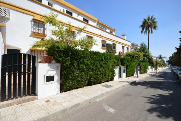 Sold: 7 Bedroom, 7 Bathroom Townhouse in Marbellamar, Marbella Golden Mile