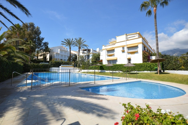 Sold: 5 Bedroom, 4 Bathroom Townhouse in Marbellamar, Marbella Golden Mile