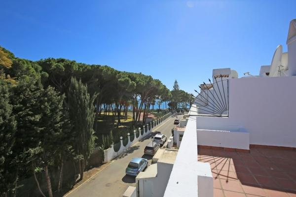 Sold: 4 Bedroom, 2 Bathroom Townhouse in Marbellamar, Marbella Golden Mile