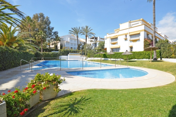 5 Bedroom, 4 Bathroom Townhouse For Sale in Marbellamar, Marbella Golden Mile