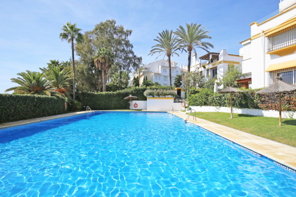8 Bedroom, 6 Bathroom Townhouse For Sale in Marbellamar, Marbella Golden Mile