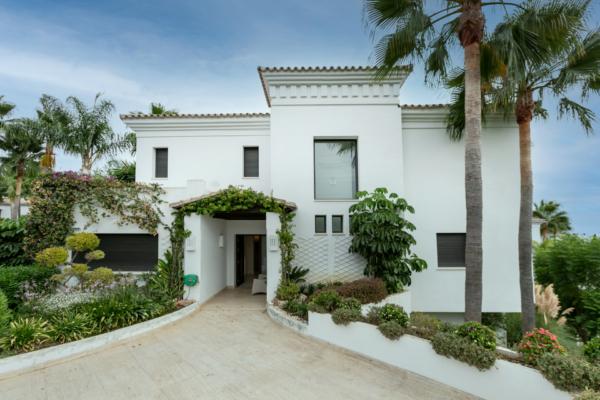 6 Dormitorio, 6 Baño Villa En Venta en Lomas de Magna Marbella, Marbella Golden Mile